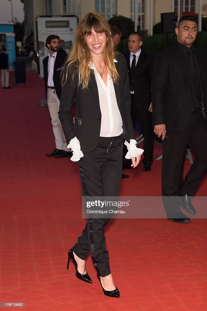 <a gi-track='captionPersonalityLinkClicked' href=/galleries/search?phrase=Lou+Doillon&family=editorial&specificpeople=208822 ng-click='$event.stopPropagation()'>Lou Doillon</a> attends the screening of 'Killing season' on September 6, 2013 in Deauville, France.