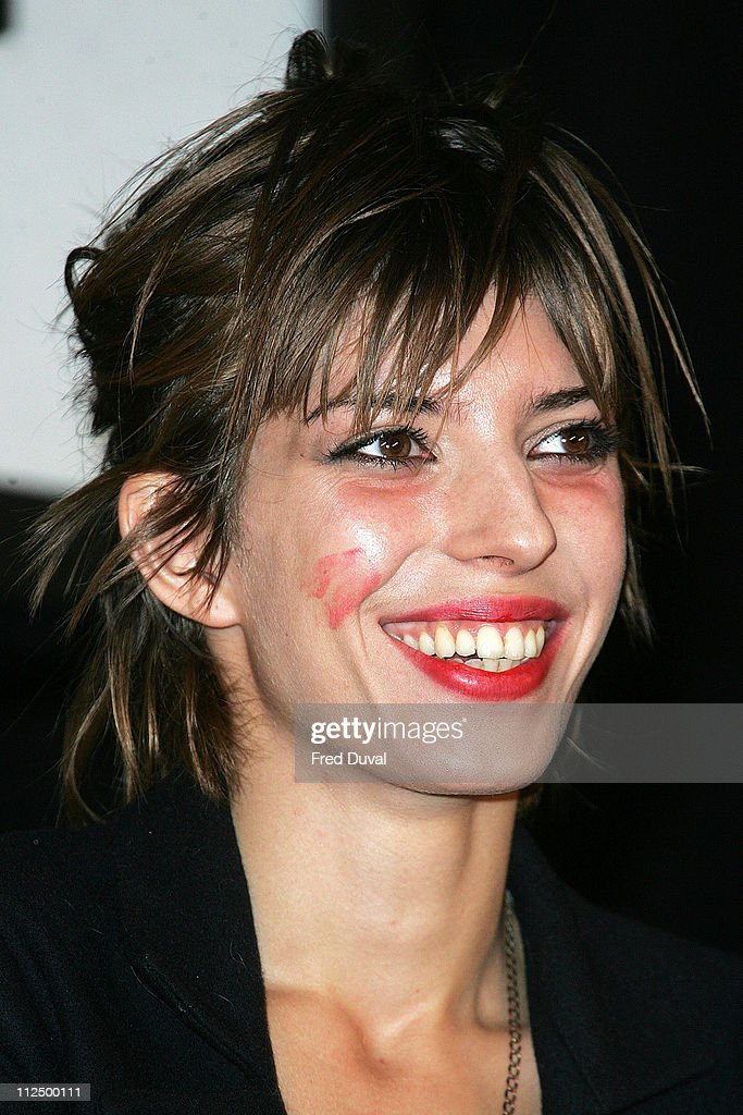 <a gi-track='captionPersonalityLinkClicked' href=/galleries/search?phrase=Lou+Doillon&family=editorial&specificpeople=208822 ng-click='$event.stopPropagation()'>Lou Doillon</a> showing a lipstick mark by <a gi-track='captionPersonalityLinkClicked' href=/galleries/search?phrase=Sophia+Loren&family=editorial&specificpeople=94097 ng-click='$event.stopPropagation()'>Sophia Loren</a>