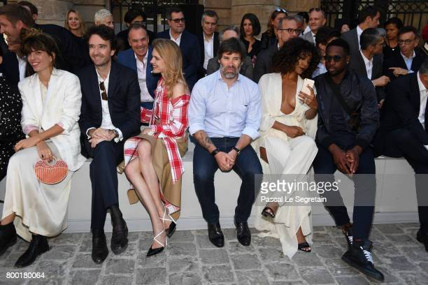 Lou DoillonAntoine ArnaultNatalia VodianovaJalil LespertGabrielle Union and Dwyane Wade attend the Berluti Menswear Spring/Summer 2018 show as part...