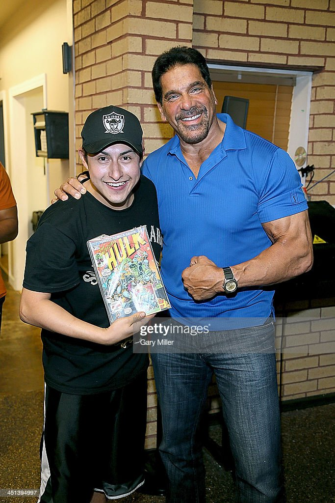 Lou Ferrigno meets with fans at Discount Electronics while in town for Wizard World Austin Comic Con on November 21, 2013 in Austin, Texas.