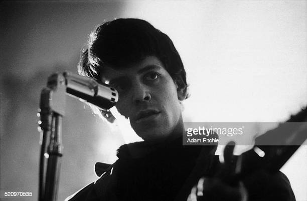 Lou Reed of the Velvet Underground performs on stage at the New York Society for Clinical Psychiatry annual dinner The Delmonico Hotel New York 13th...