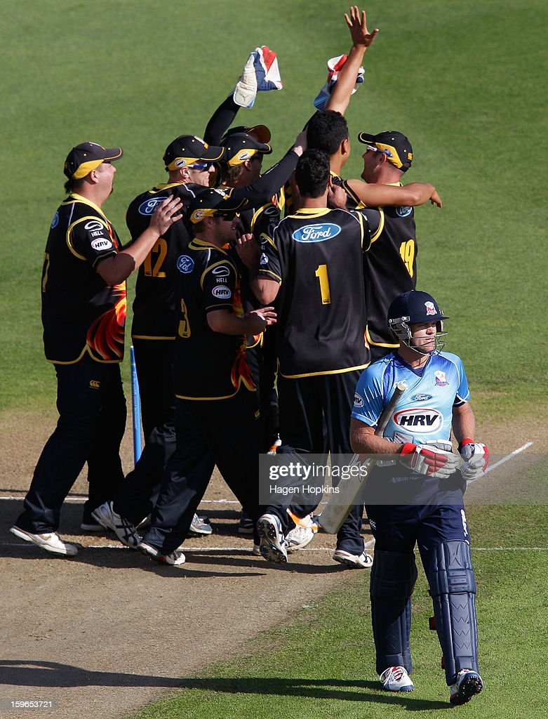 Lou Vincent of Auckland leaves the field after being dismissed by Malaesaili Tugaga of Wellington during the HRV Cup Twenty20 Preliminary Final between the Wellington Firebirds and the Auckland Aces at Basin Reserve on January 18, 2013 in Wellington, New Zealand.