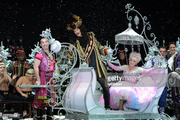 Louie Spence David Hasselhoff and Barbera Windsor attend the First Family Entertainment Pantomime photocall at the Piccadilly Theatre on November 26...
