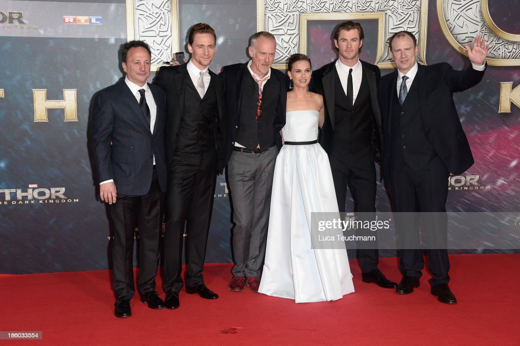 Louis d'Esposito, Tom Hiddlšeston, Alan Taylor, <a gi-track='captionPersonalityLinkClicked' href=/galleries/search?phrase=Natalie+Portman&family=editorial&specificpeople=202035 ng-click='$event.stopPropagation()'>Natalie Portman</a>, <a gi-track='captionPersonalityLinkClicked' href=/galleries/search?phrase=Chris+Hemsworth&family=editorial&specificpeople=646776 ng-click='$event.stopPropagation()'>Chris Hemsworth</a> and <a gi-track='captionPersonalityLinkClicked' href=/galleries/search?phrase=Kevin+Feige&family=editorial&specificpeople=2262351 ng-click='$event.stopPropagation()'>Kevin Feige</a> arrive for
