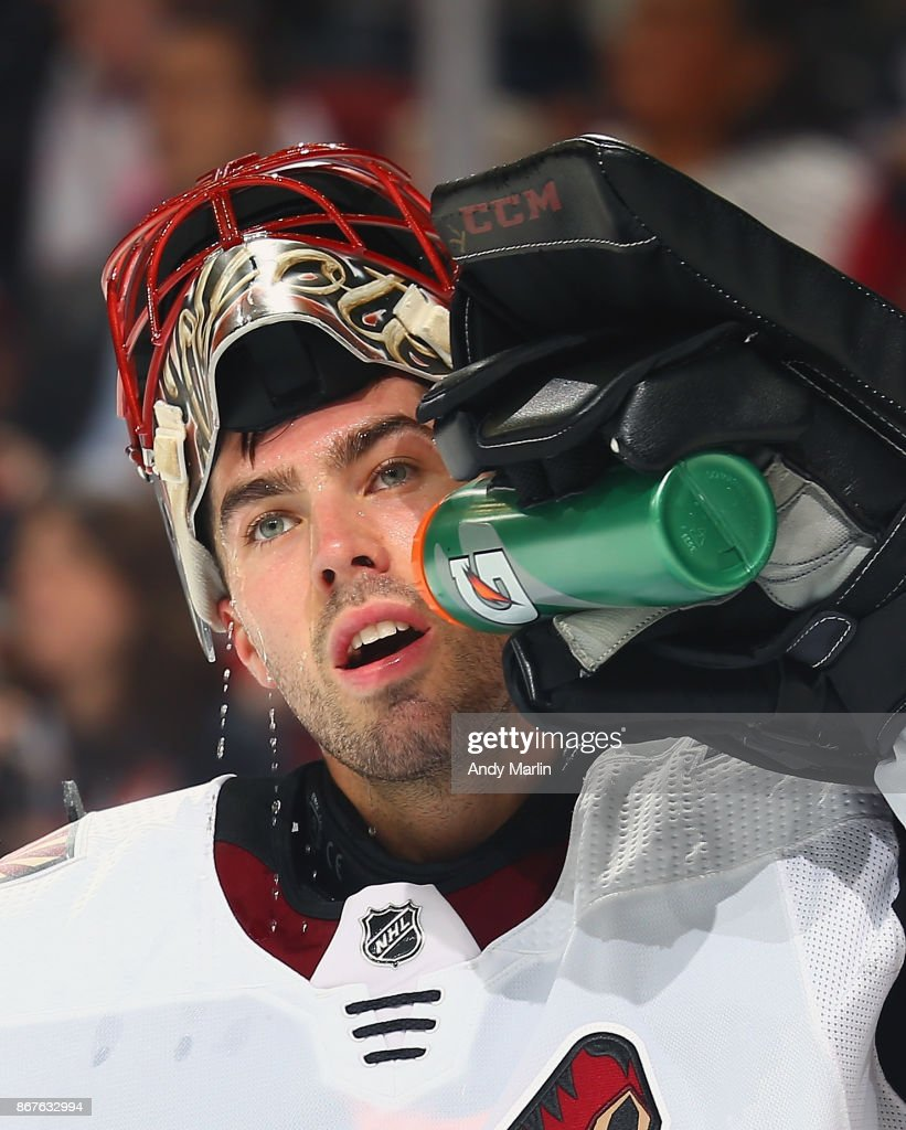 Louis Domingue #35 of the Arizona Coyotes cools down during the game against the New Jersey Devils at Prudential Center on October 28, 2017 in Newark, New Jersey.