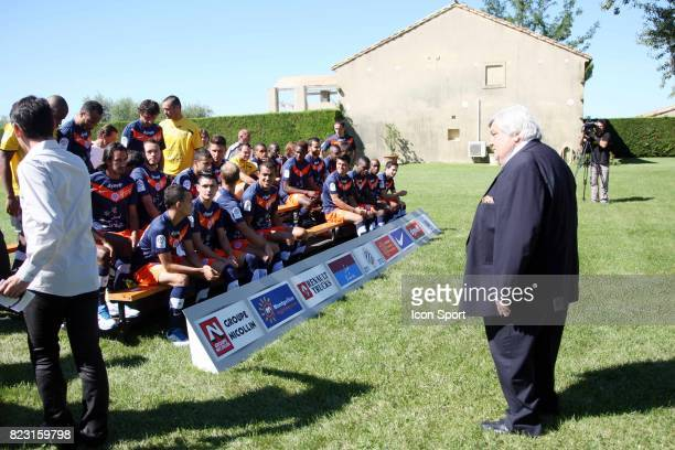 Louis NICOLLIN et ses joueurs Photo Officielle Equipe Montpellier Mas Saint Gabriel de Louis Nicollin