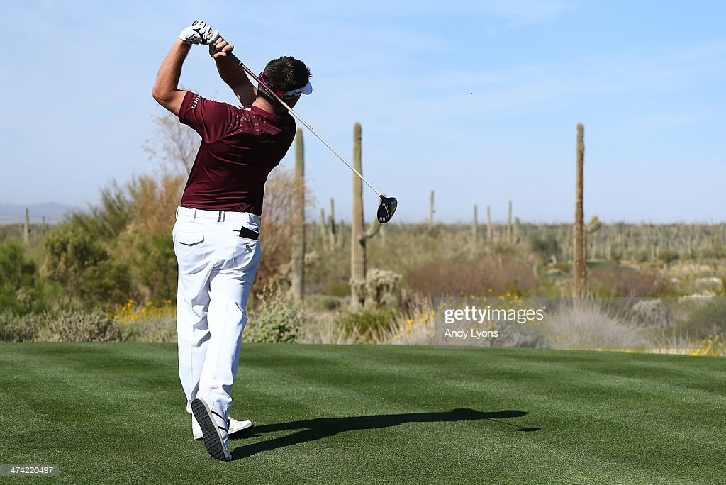 Louis Oosthuizen of South Africa hits a tee shot on the fifth hole during the quarterfinal of the World Golf Championships - Accenture Match Play Championship at The Golf Club at Dove Mountain on February 22, 2014 in Marana, Arizona.