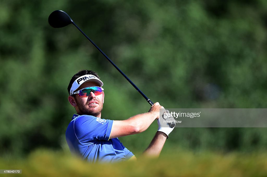 <a gi-track='captionPersonalityLinkClicked' href=/galleries/search?phrase=Louis+Oosthuizen&family=editorial&specificpeople=241573 ng-click='$event.stopPropagation()'>Louis Oosthuizen</a> of South Africa hits his tee shot on the 14th hole during the final round of the 115th U.S. Open Championship at Chambers Bay on June 21, 2015 in University Place, Washington.