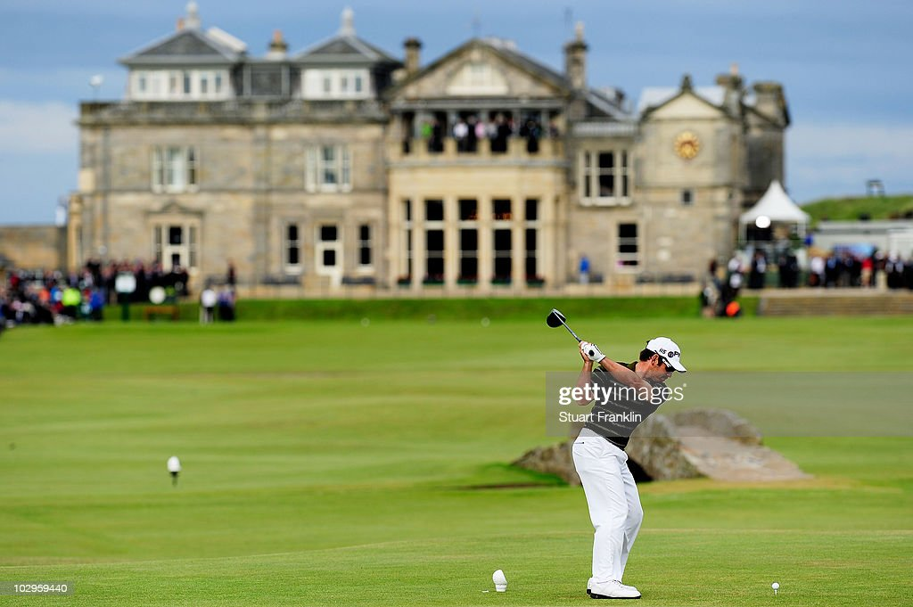 Louis Oosthuizen of South Africa tees off on the 18th hole during the final round of the 139th Open Championship on the Old Course, St Andrews on July 18, 2010 in St Andrews, Scotland.