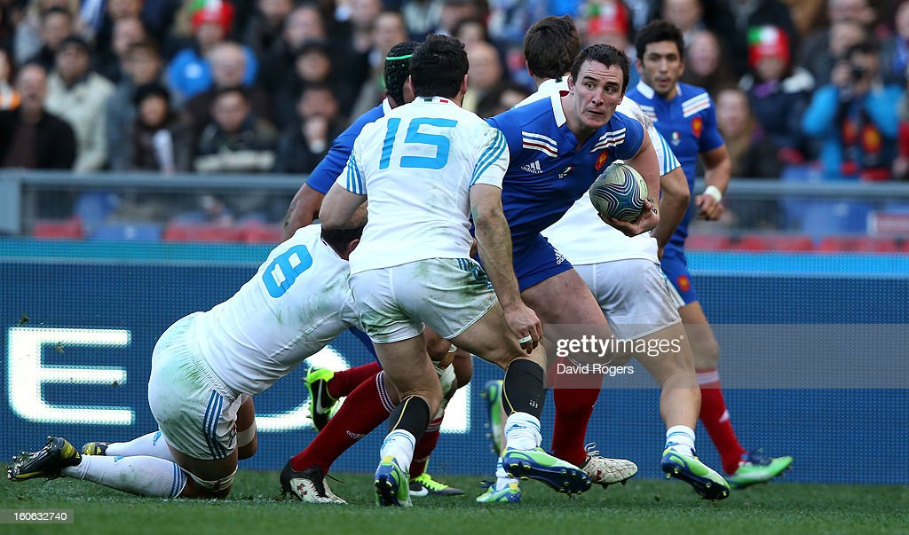 Louis Picamoles of France breaks clear for a try during the RBS Six Nations match between Italy and France at Stadio Olimpico on February 3, 2013 in Rome, Italy.