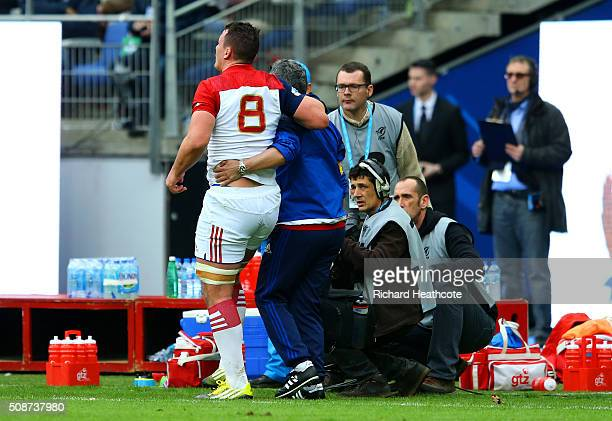Louis Picamoles of France leaves the field injured during the RBS Six Nations match between France and Italy at Stade de France on February 6 2016 in...