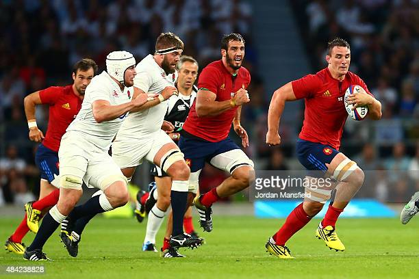 Louis Picamoles of France makes a break during the QBE International match between England and France at Twickenham Stadium on August 15 2015 in...