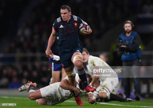 Louis Picamoles of France makes a break during the RBS Six Nations match between England and France at Twickenham Stadium on February 4 2017 in...