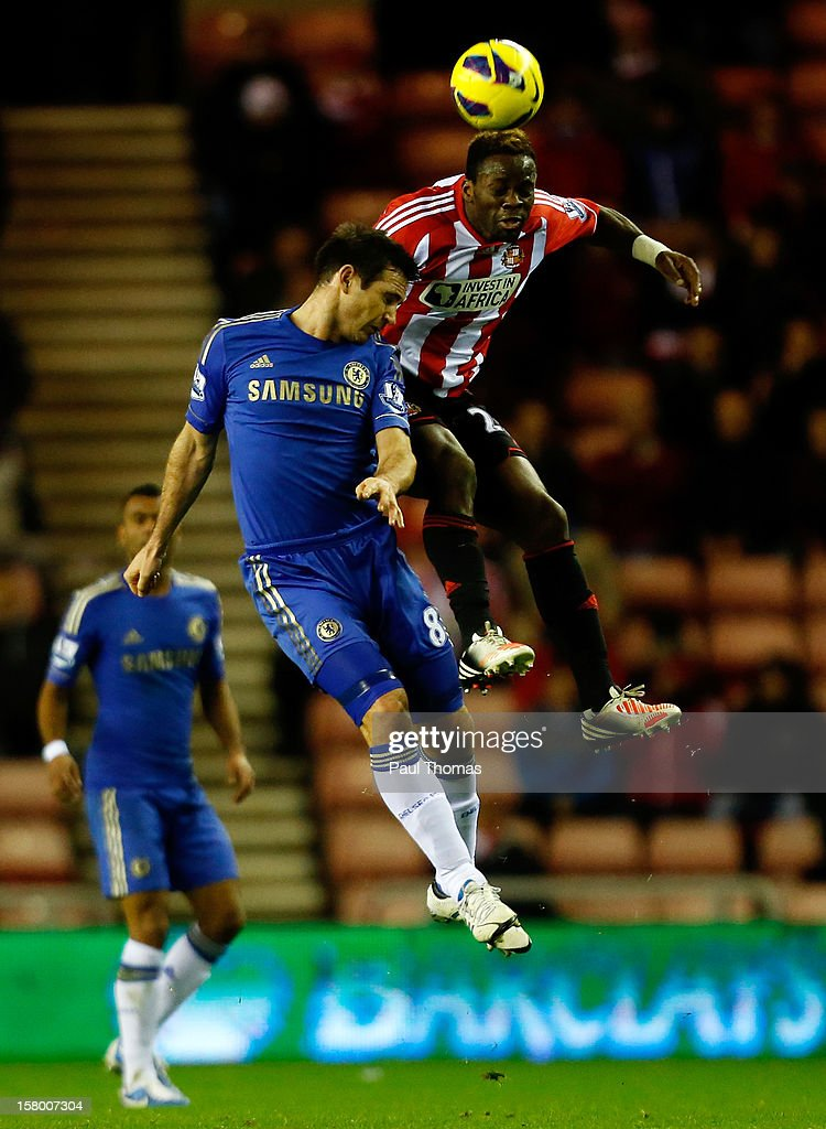 <a gi-track='captionPersonalityLinkClicked' href=/galleries/search?phrase=Louis+Saha&family=editorial&specificpeople=202586 ng-click='$event.stopPropagation()'>Louis Saha</a> (R) of Sunderland in action with <a gi-track='captionPersonalityLinkClicked' href=/galleries/search?phrase=Frank+Lampard+-+Born+1978&family=editorial&specificpeople=11497645 ng-click='$event.stopPropagation()'>Frank Lampard</a> of Chelsea during the Barclays Premier League match between Sunderland and Chelsea at the Stadium of Light on December 8, 2012, in Sunderland, England.