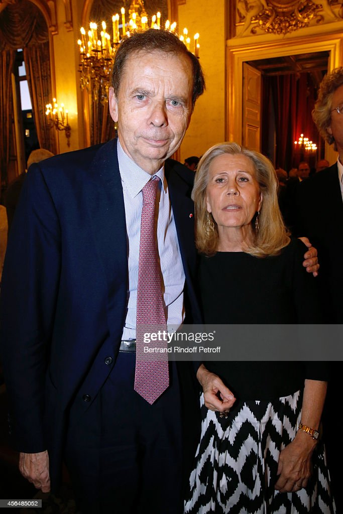 <a gi-track='captionPersonalityLinkClicked' href=/galleries/search?phrase=Louis+Schweitzer&family=editorial&specificpeople=555449 ng-click='$event.stopPropagation()'>Louis Schweitzer</a> and his wife Agnes attend Xavier Darcos receives 'L'Epee d'Academicien' in Paris on October 1, 2014 in Paris, France.