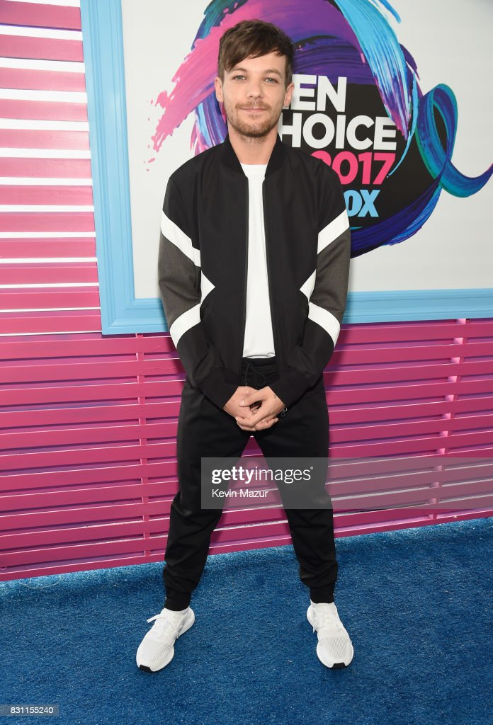 louis-tomlinson-attends-the-teen-choice-awards-2017-at-galen-center-picture-id831155240
