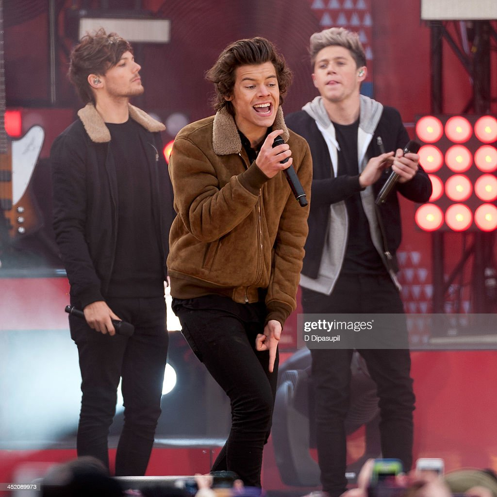 <a gi-track='captionPersonalityLinkClicked' href=/galleries/search?phrase=Louis+Tomlinson&family=editorial&specificpeople=7235196 ng-click='$event.stopPropagation()'>Louis Tomlinson</a>, <a gi-track='captionPersonalityLinkClicked' href=/galleries/search?phrase=Harry+Styles&family=editorial&specificpeople=7229830 ng-click='$event.stopPropagation()'>Harry Styles</a>, and <a gi-track='captionPersonalityLinkClicked' href=/galleries/search?phrase=Niall+Horan&family=editorial&specificpeople=7229827 ng-click='$event.stopPropagation()'>Niall Horan</a> of One Direction perform on ABC's 'Good Morning America' at Rumsey Playfield, Central Park on November 26, 2013 in New York City.