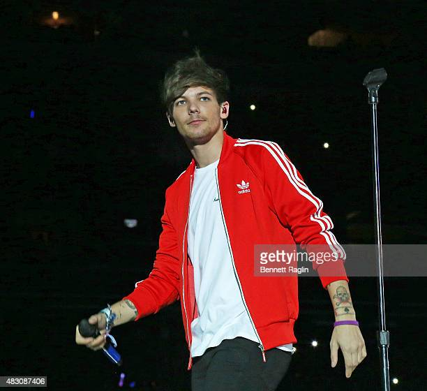 Louis Tomlinson of One Direction performs at MetLife Stadium on August 5 2015 in East Rutherford New Jersey