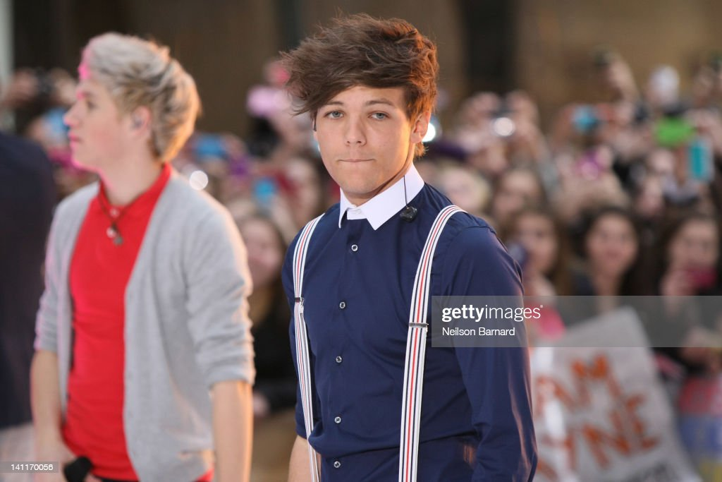 <a gi-track='captionPersonalityLinkClicked' href=/galleries/search?phrase=Louis+Tomlinson&family=editorial&specificpeople=7235196 ng-click='$event.stopPropagation()'>Louis Tomlinson</a> of the band One Direction performs on NBC's 'Today' show at Rockefeller Plaza on March 12, 2012 in New York City.