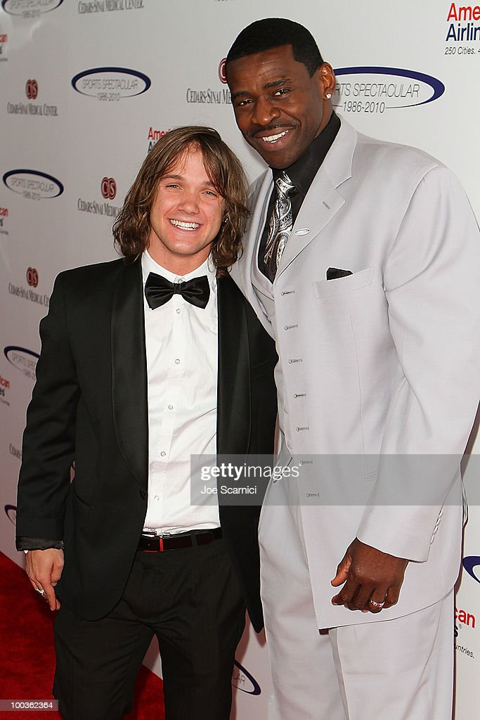 Louis Vito and Michael Irvin arrive to the 25th Anniversary Of CedarsSinai Sports Spectacular at Hyatt Regency Century Plaza on May 23 2010 in...