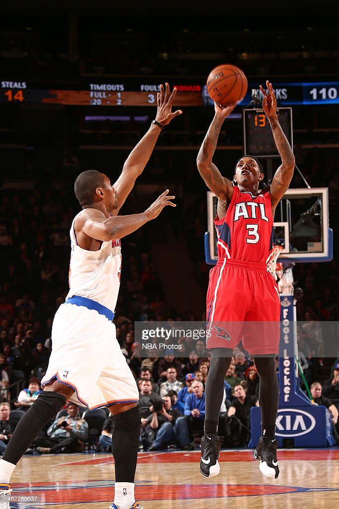 <a gi-track='captionPersonalityLinkClicked' href=/galleries/search?phrase=Louis+Williams&family=editorial&specificpeople=670315 ng-click='$event.stopPropagation()'>Louis Williams</a> #3 of the Atlanta Hawks shoots the ball against the New York Knicks during a game at Madison Square Garden in New York City.