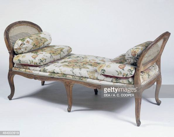 Chaise longue stock photos and pictures getty images for Chaise style louis xiv