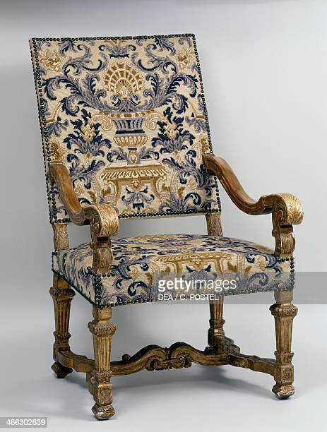 fauteuil louis xiv photos et images de collection getty images. Black Bedroom Furniture Sets. Home Design Ideas