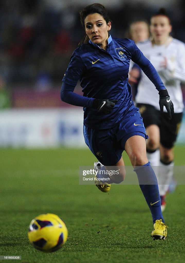 Louisa Necib of France controles the ball during the international friendly match between France and Germany at Stade de la Meinau on February 13, 2013 in Strasbourg, France.