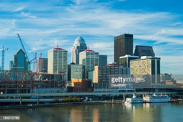 Aumento de la vista panorámica del centro de Louisville