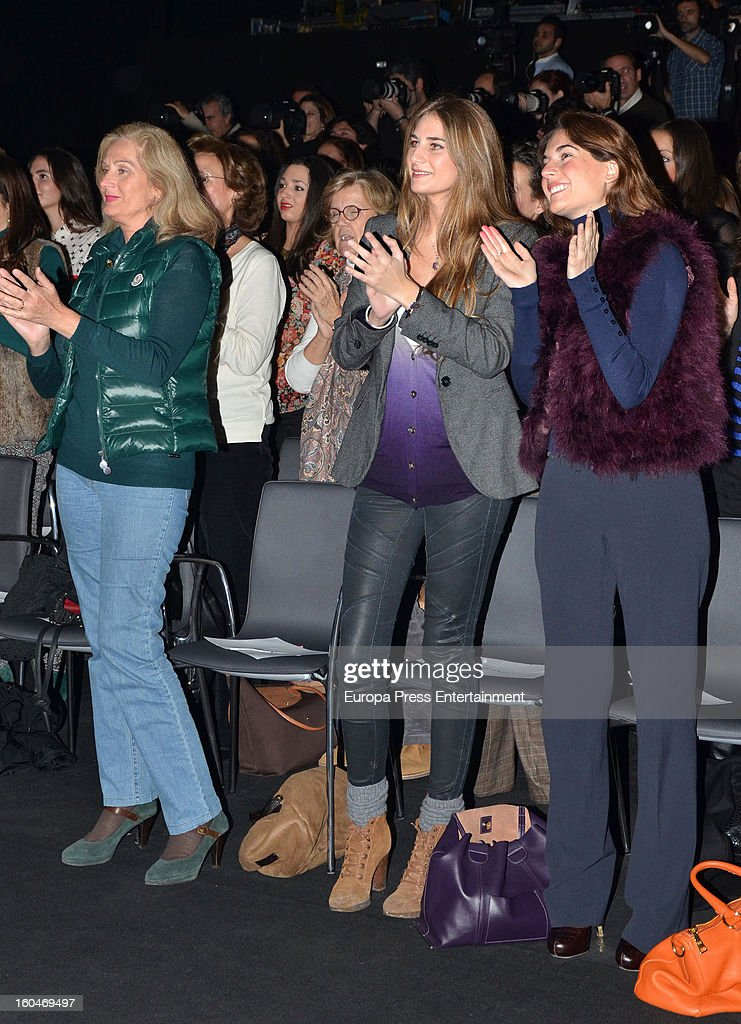 lourdes-montes-and-sibi-montes-attend-international-flamenco-fashion-picture-id160469497