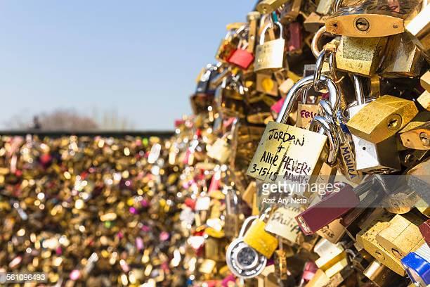 Love Locks, Pont Neuf, Quais de LHorloge, Ile de la Cite, Paris, France