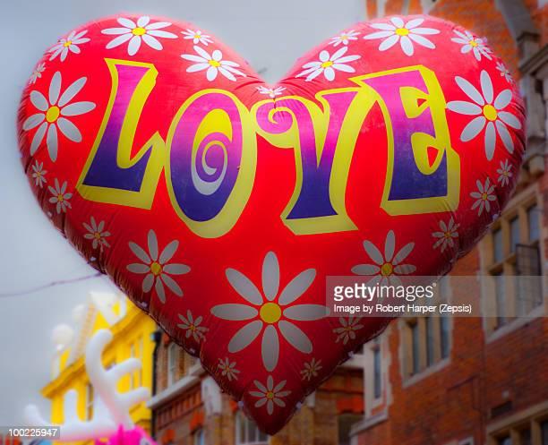Love sign balloon
