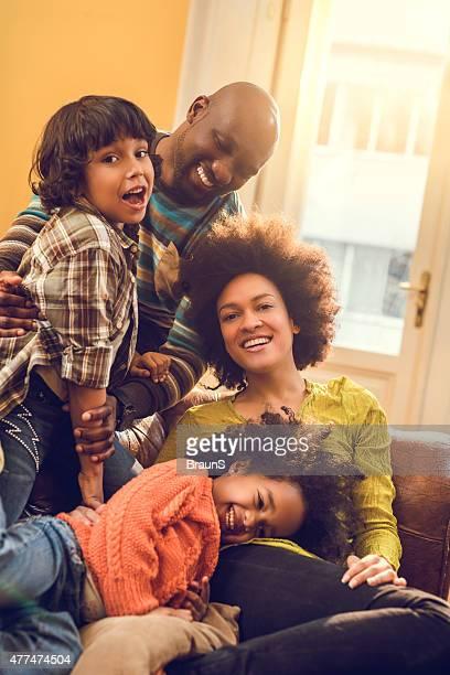 大好きなアフリカ系アメリカ人の家族が自宅でお楽しみいただけます。