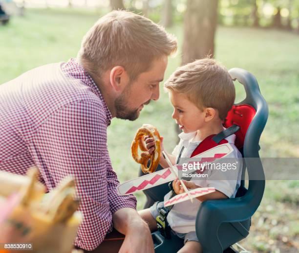Liebende Vater und Sohn