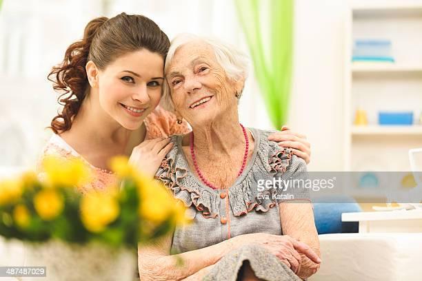 Liebevoll Enkelin