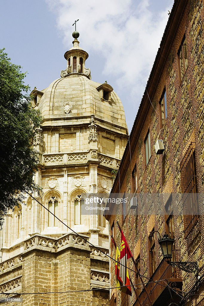 Low angle view of a cathedral, Cathedral Of Toledo, Toledo, Spain : Foto de stock