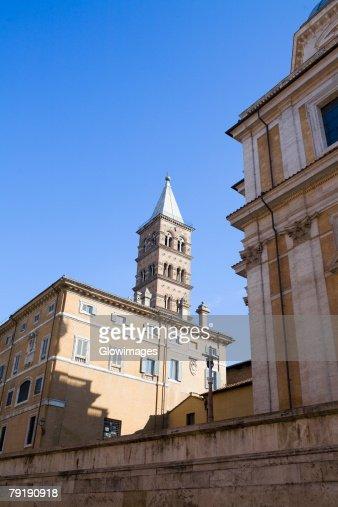 Low angle view of a church, St Maria Del Popolo Church, Rome, Italy : Foto de stock