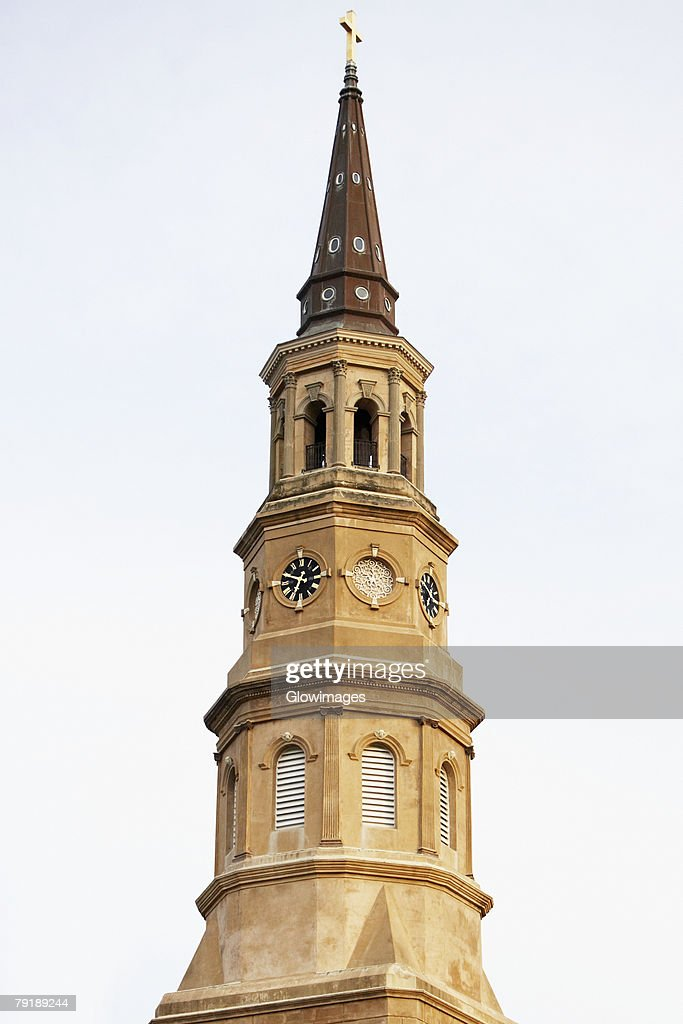 Low angle view of a church, St. Philip's Church, Charleston, South Carolina, USA : Foto de stock