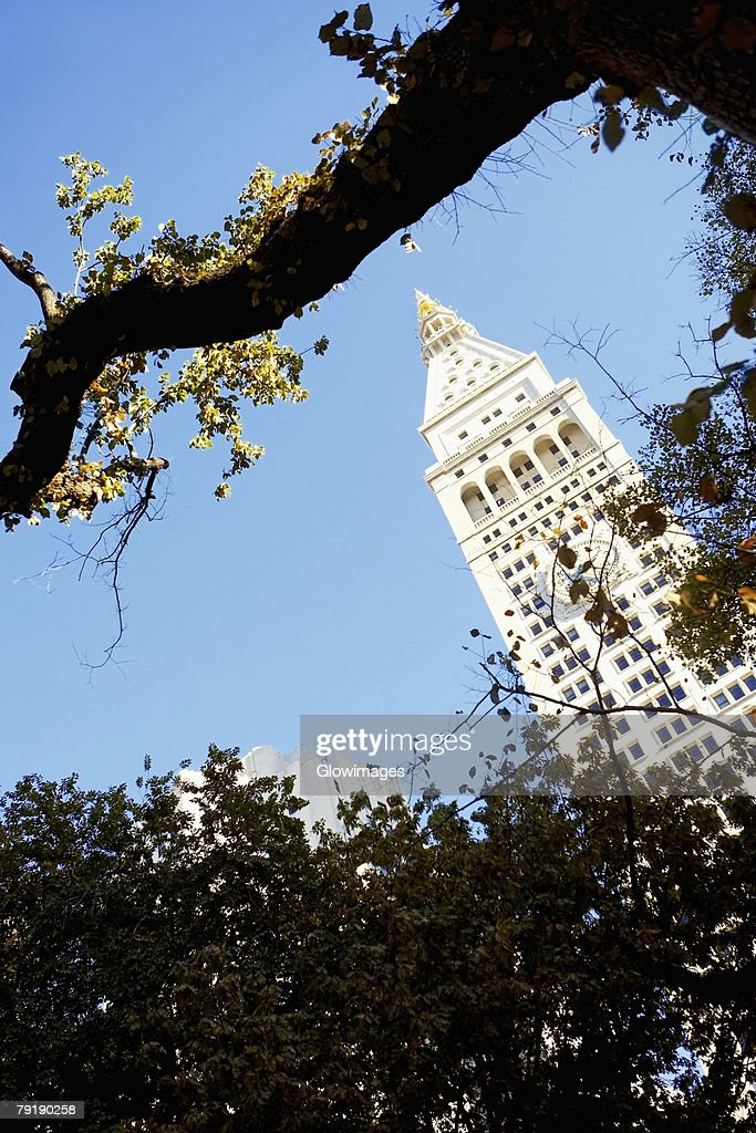 Low angle view of a clock tower, New York City, New York State, USA : Foto de stock