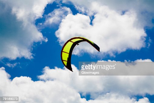 Low angle view of a kite in the sky, Smathers Beach, Key West, Florida, USA : Foto de stock