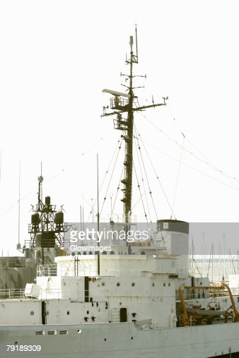 Low angle view of a military ship, Patriot's Point, Charleston Harbor, Charleston, South Carolina, USA : Foto de stock