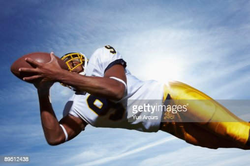Low angle view of a sportsman : Stock Photo
