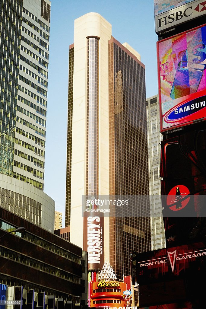 Low angle view of buildings in a city, Times Square, Manhattan, New York City, New York State, USA : Foto de stock