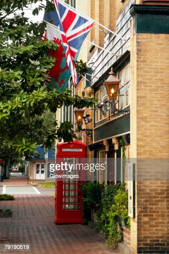 Low angle view of flags on a building, Savannah, Georgia, USA : Foto de stock