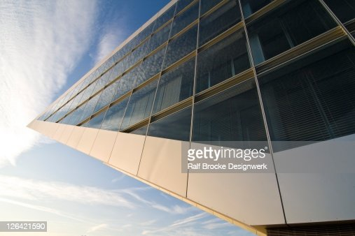 Low angle view of office building : Stock-Foto