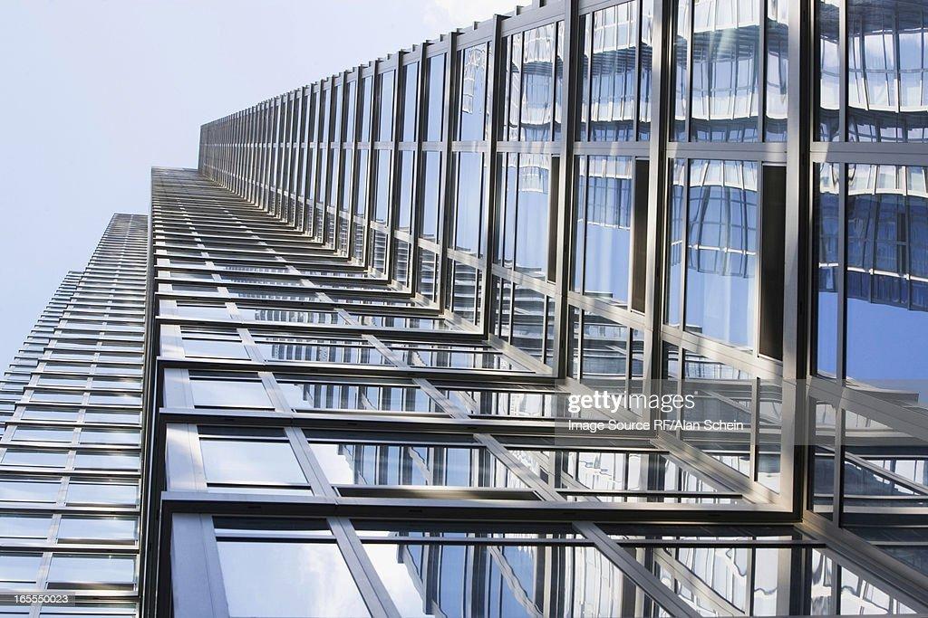 Low angle view of urban skyscraper : Stock Photo