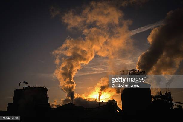 Low temperatures intensfy the steam emissions from the Ineos Enterprises brine purification plant on December 30 2014 in Northwich United Kingdom The...