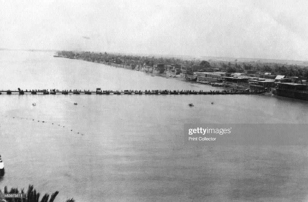 Lower pontoon bridge over the Tigris Baghdad Mesopotamia WWI 1918 Mesopotamia formerly part of the Turkish Ottoman empire was under British military...