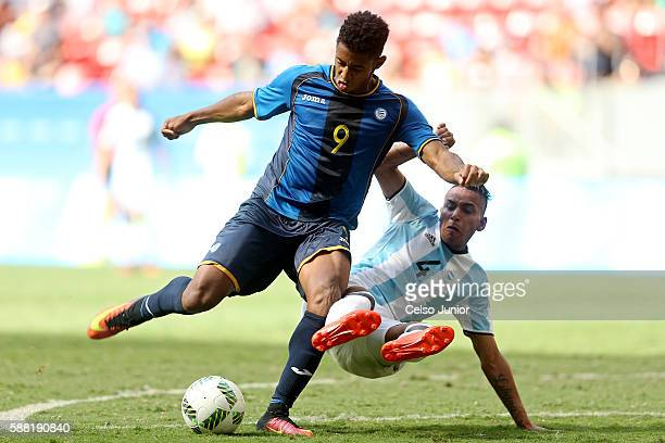 Lozano Anthony of Honduras and Gmes Jose Luis of Argentida during the Group D match between Argentina and Honduras on Day 5 of the Rio 2016 Olympic...