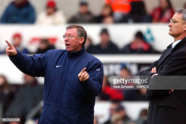 lr Manchester United's Manager Alex Ferguson and Chelsea's Manager Claudio Ranieri